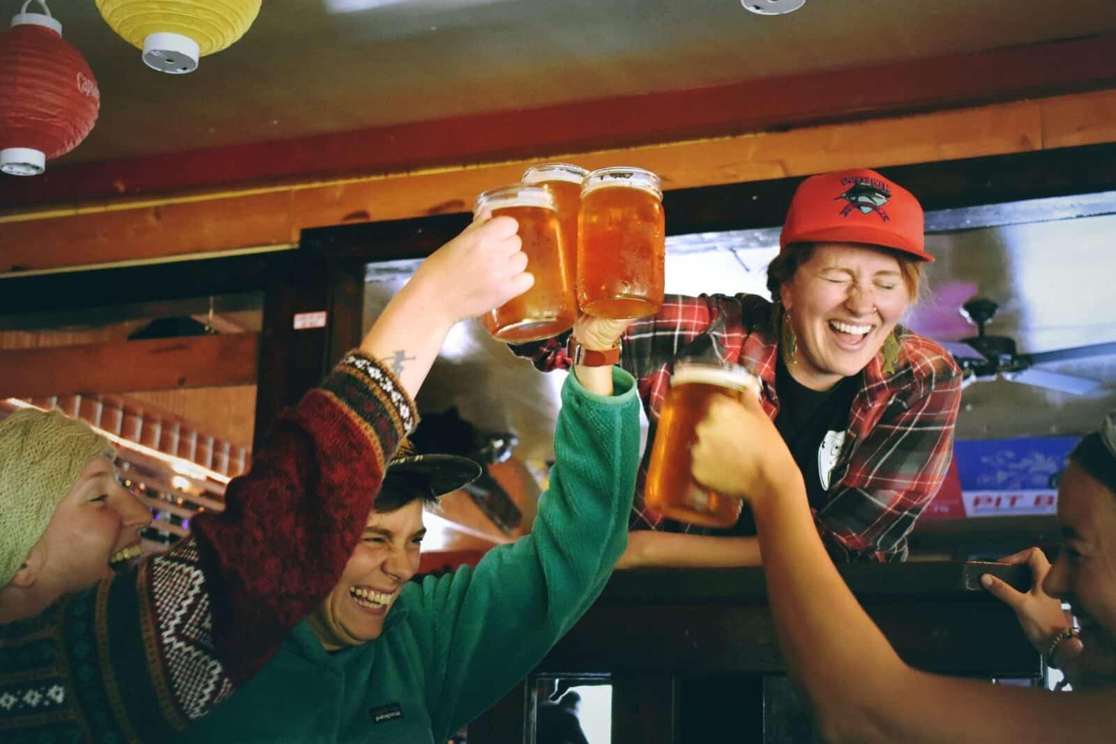 Binge drinking, EtG strips, people drinking beer